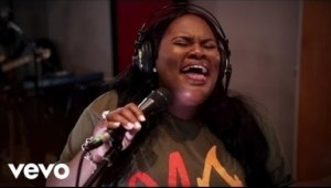 Video: Tasha Cobbs - Your Spirit ft Kierra Sheard